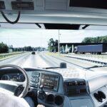 Autista alla guida di camion