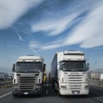 Camion su autostrada